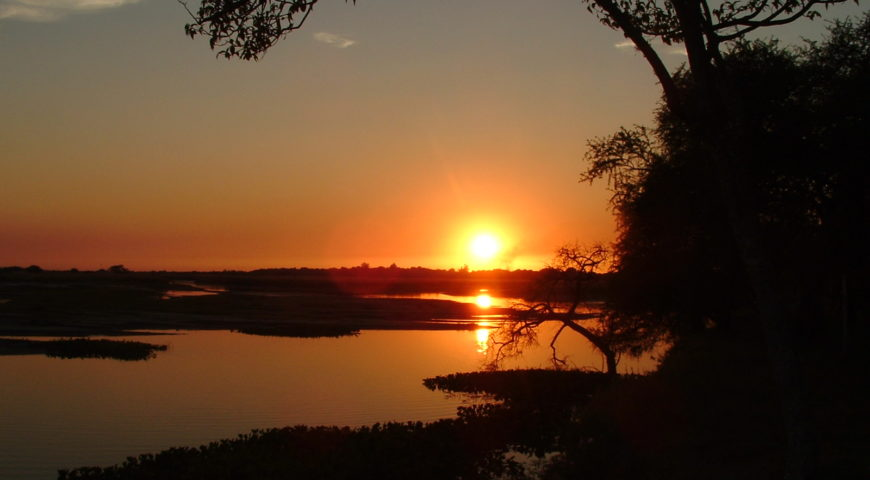 Argentinien-Dorado-Cruiser-Gallerie-Sonnenuntergang