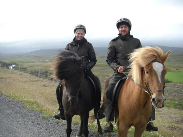 Zu Pferd, Varmahlid