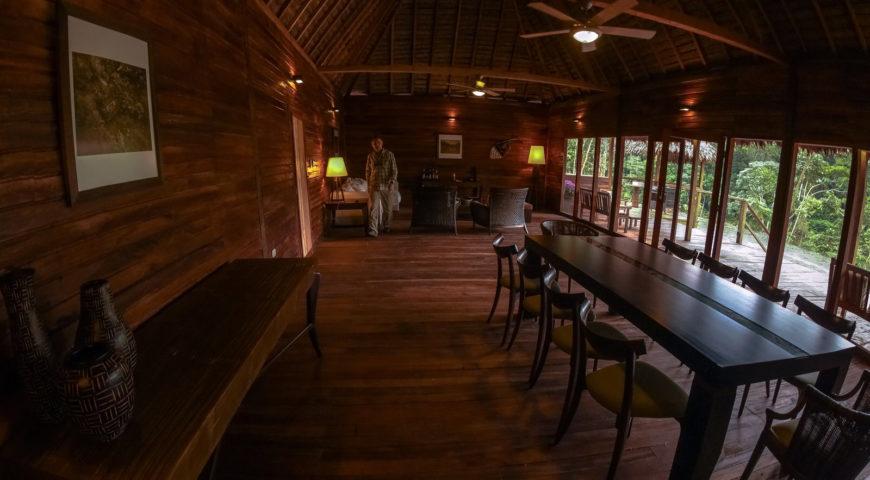 Pluma-Lodge-Dinnertable