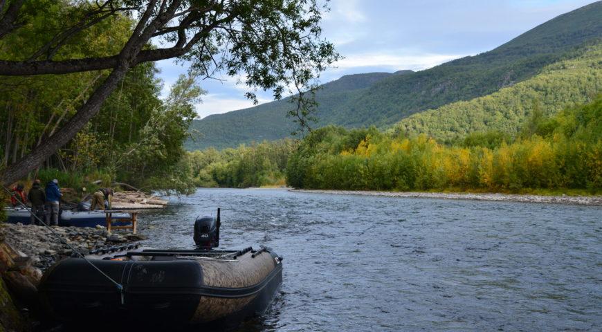 Russland-Kamchatka-Icha-River-Camp-Dock