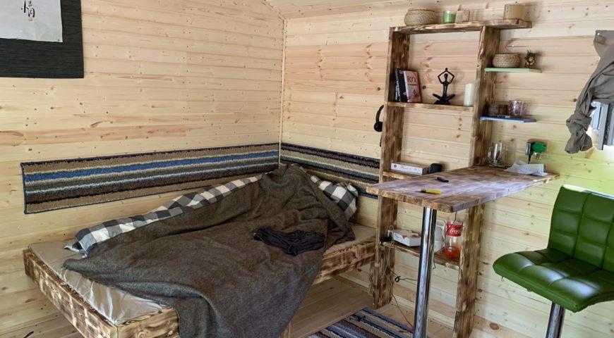 Russland-Kamchatka-Icha-River-Camp-Zimmer-Bett