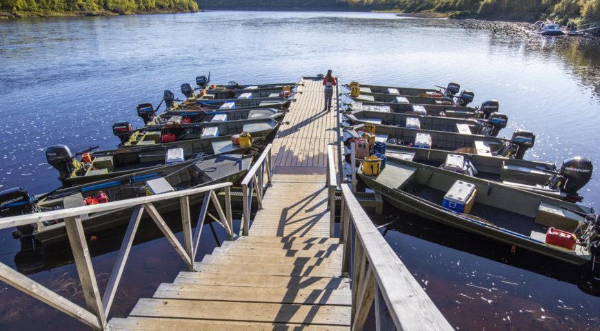 Russland-Ponoi-Ryabaga-Boote