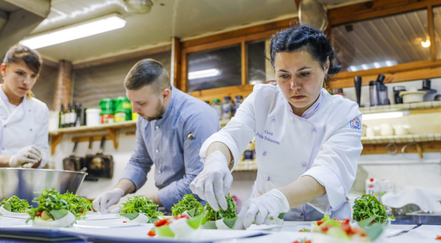 Russland-Ponoi-Ryabaga-Chef