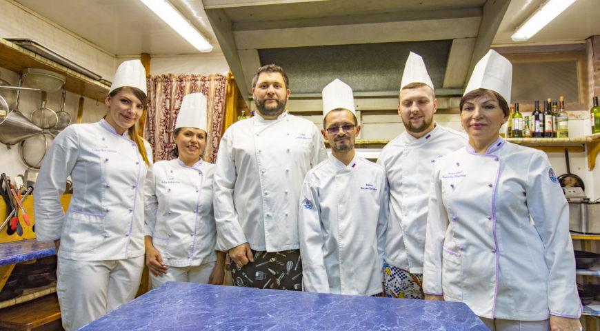 Russland-Ponoi-Ryabaga-Team Küche