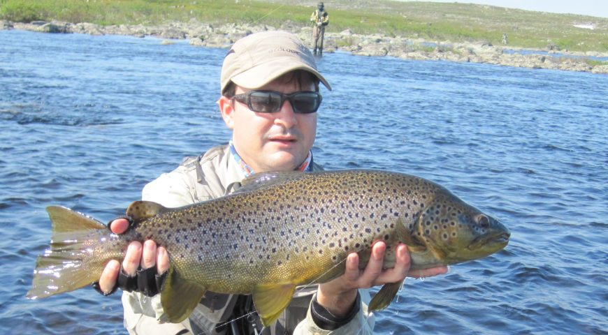 Russland-Varzina-Trout-Tented-Camp-Forelle