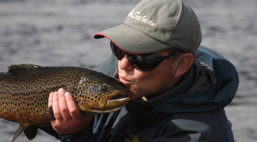 Russland-Varzina-Trout-Tented-Camp-Gallerie-Forelle